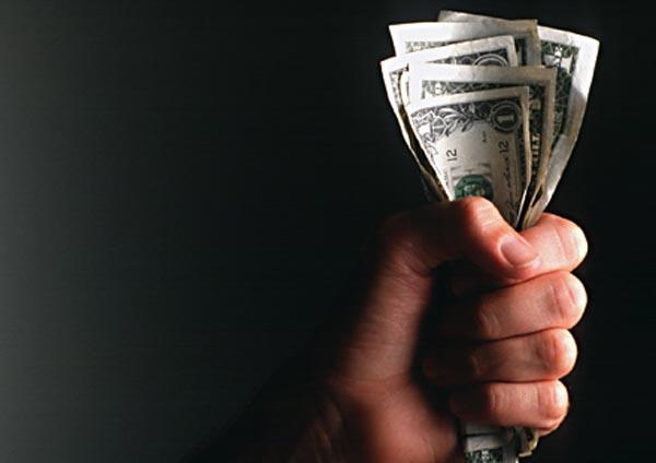 Scam, cómo protegerse de formar parte de una red de blanqueo de dinero según Eset