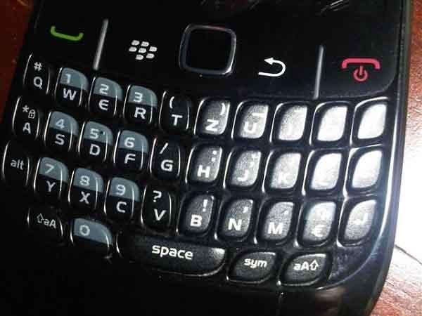 Caen los ingresos del fabricante de Blackberry y el director dimite