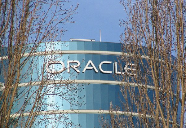 Oracle compra una empresa de marketing social en la nube