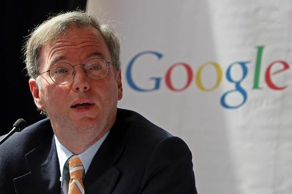 El ex CEO de Google habla sobre la guerra entre Google y Apple