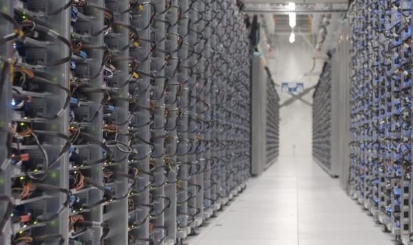 Google se prepara para competir con Amazon en servidores en la nube